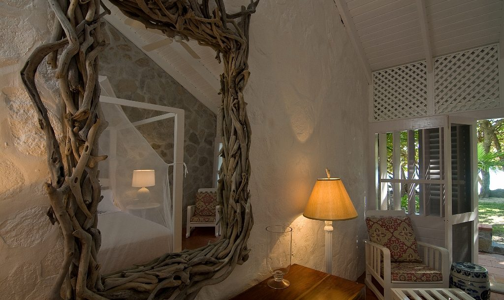 Mirror with driftwood frame in Mustique Room